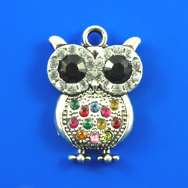 Pendant, silver-finished, 22x30mm owl with crystals. Each